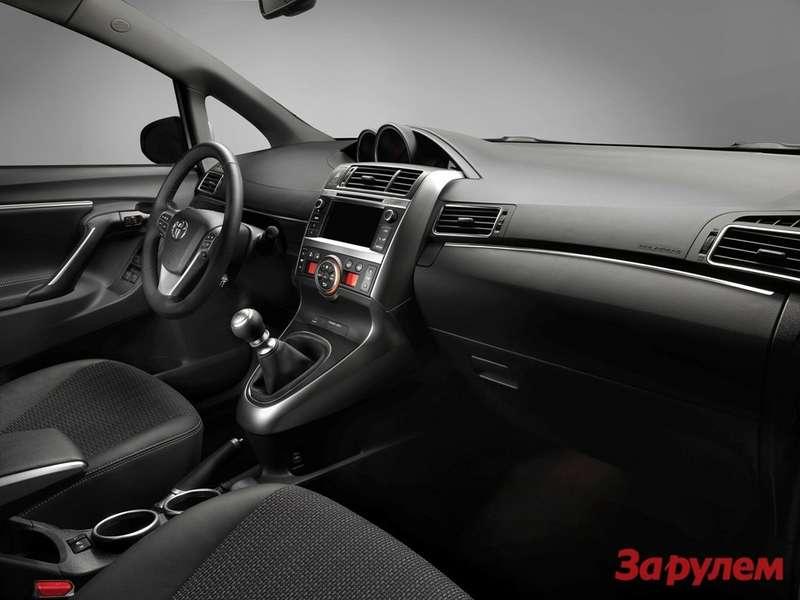 New_Toyota_Verso_05_2012