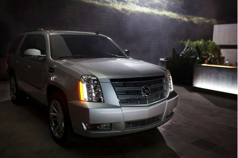 no copyright 2014 cadillac escalade 100430741 l