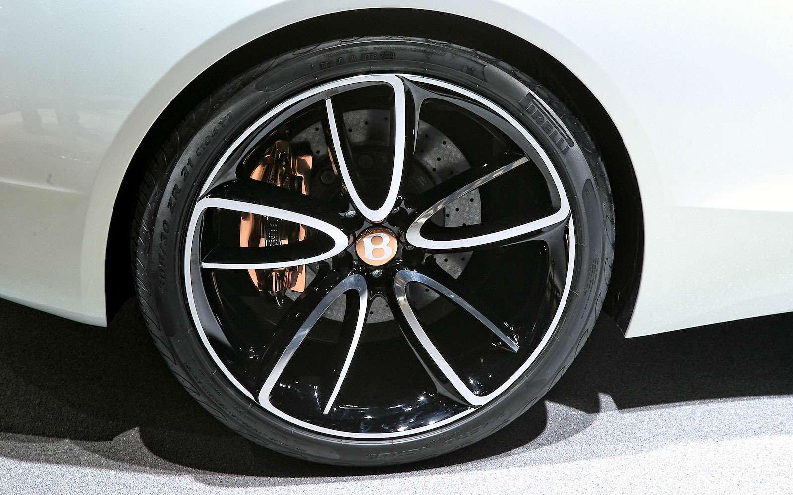 Безвредная красота: Bentley показала родстер EXP 12Speed 6e— фото 718269