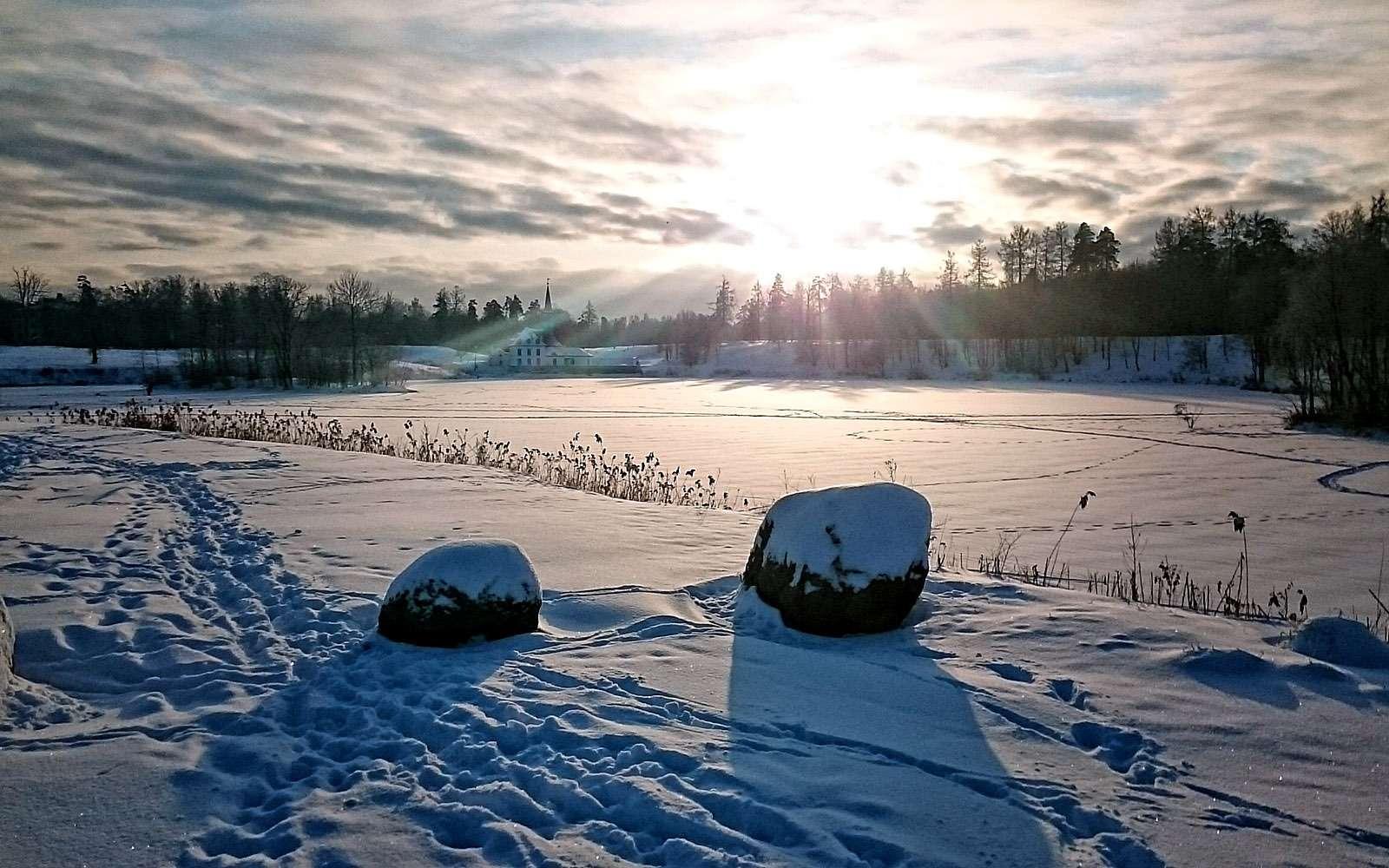 Приоратский дворец наЧерном озере вГатчине.