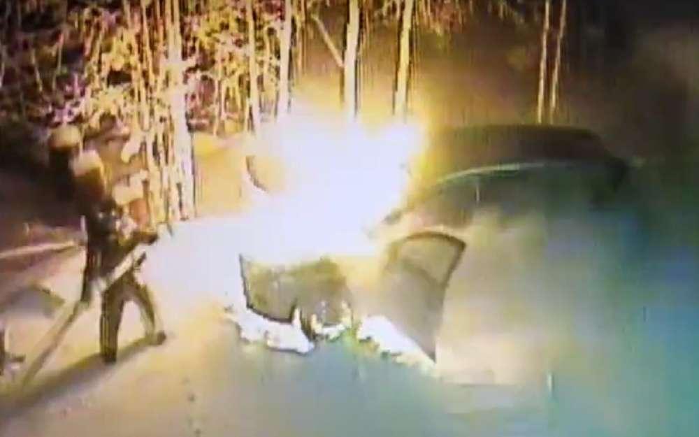 Самовозгорание Lada Vesta: вмашине никого небыло!