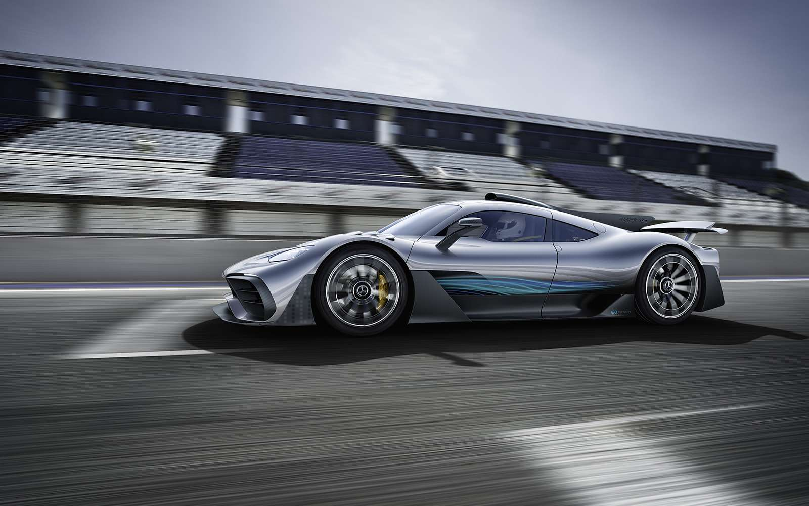2 секунды досотни— Mercedes-AMG Project ONE против Aston Martin Valkyrie— фото 805546