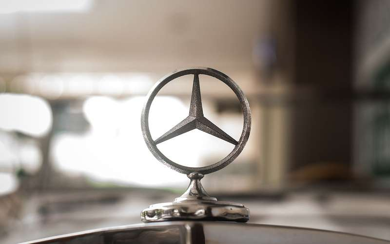 Benz отзывает в Российской Федерации неменее тысячи авто