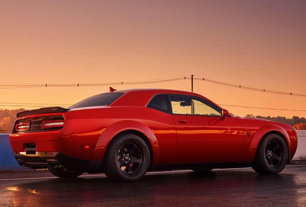 ПриНиксоне такого не было: Dodge Challenger SRT Demon представлен официально— фото 735599
