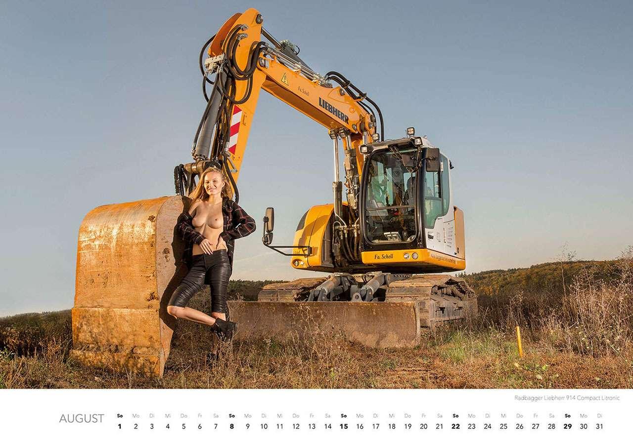 Календарь-2021: юные красотки итяжелая техника— фото 1206297