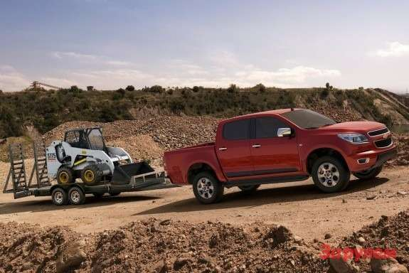New Chevrolet Colorado side view