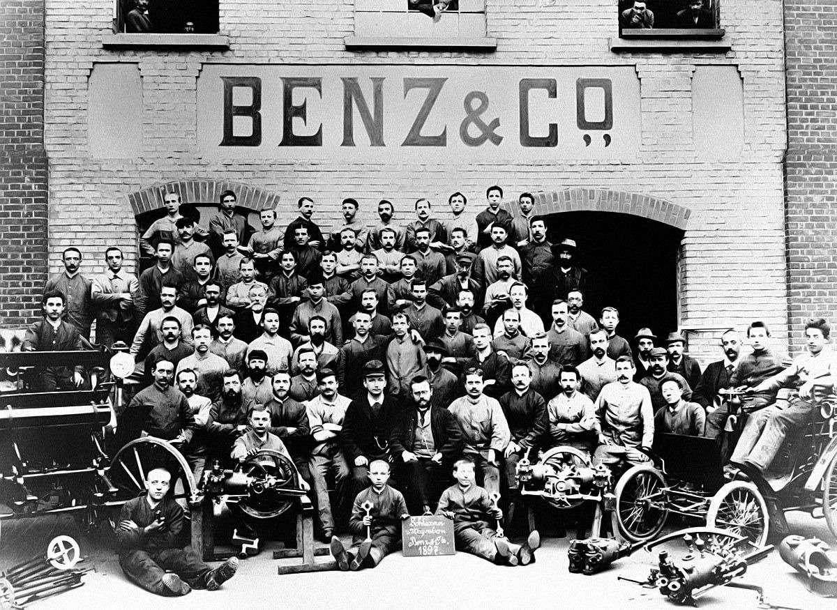 Те, кому за100: самые старые производители автомобилей— фото 589225