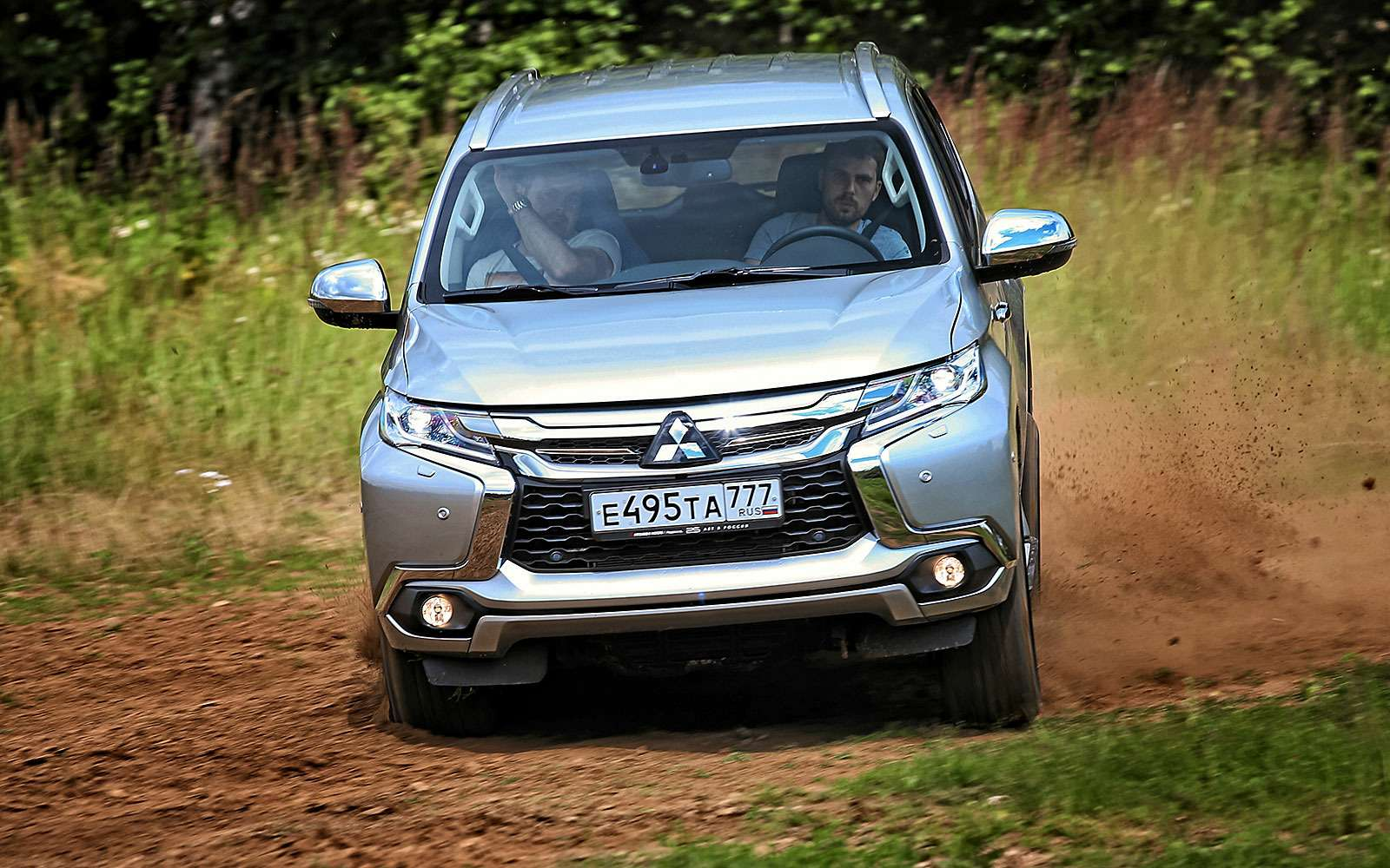 Новый Mitsubishi Pajero Sport против старого: другая лига— фото 626580