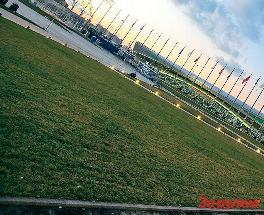 Первые вСочи: Nissan GT-R иVolkswagen Golf GTI— фото 259693