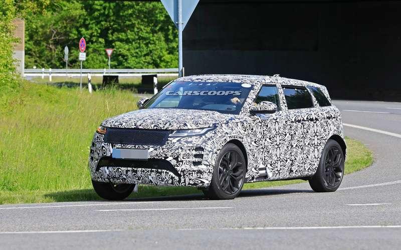 Удлиненный Range Rover Evoque натестах: первые фото