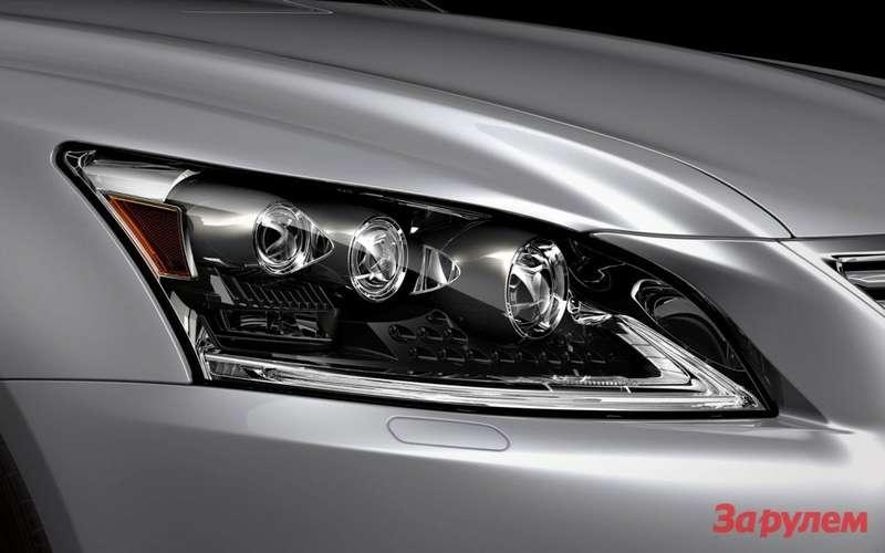 2013-Lexus-LS-460-headlight-1024x640