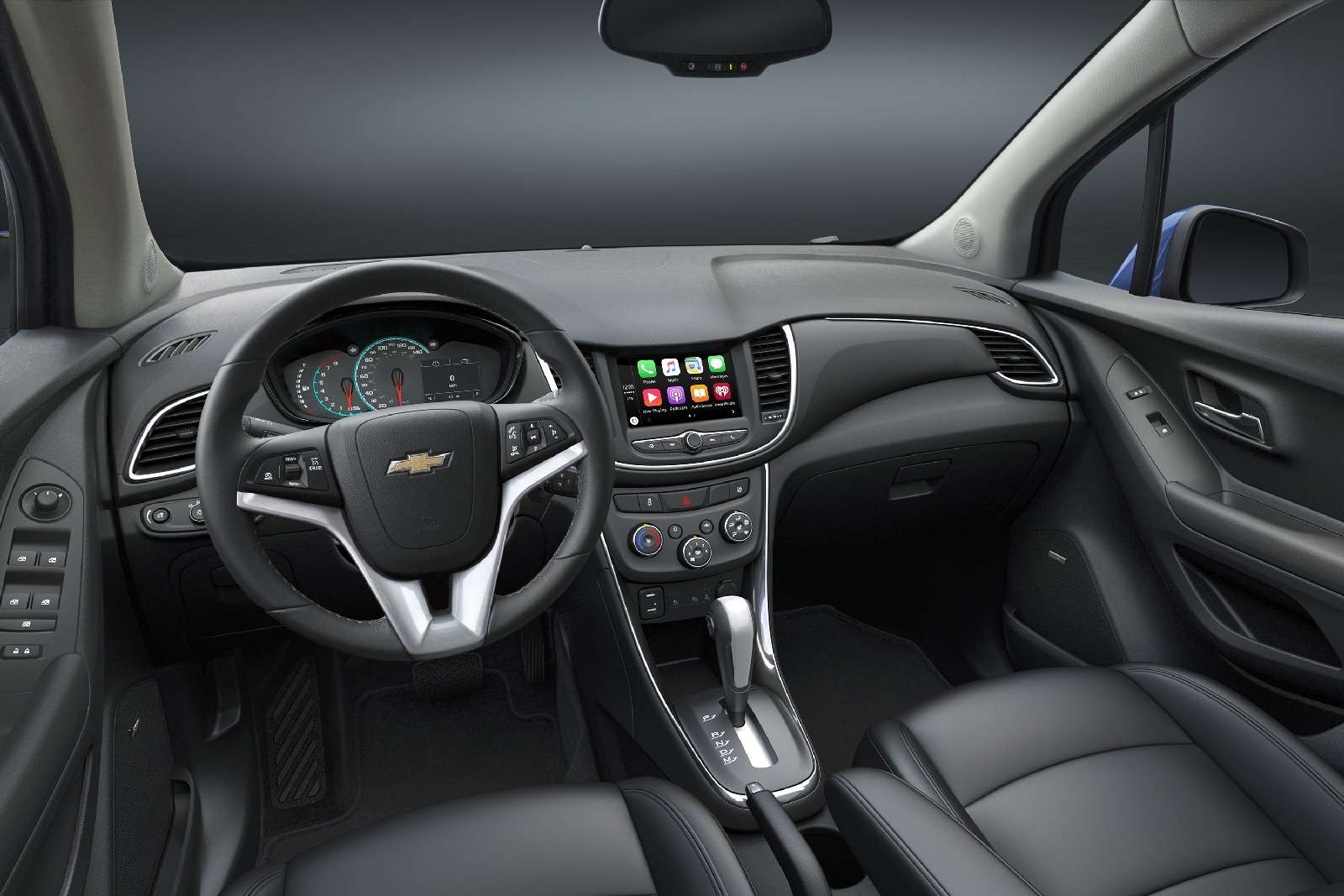 Chevrolet introduces arefreshed 2017 Trax— just 13months af