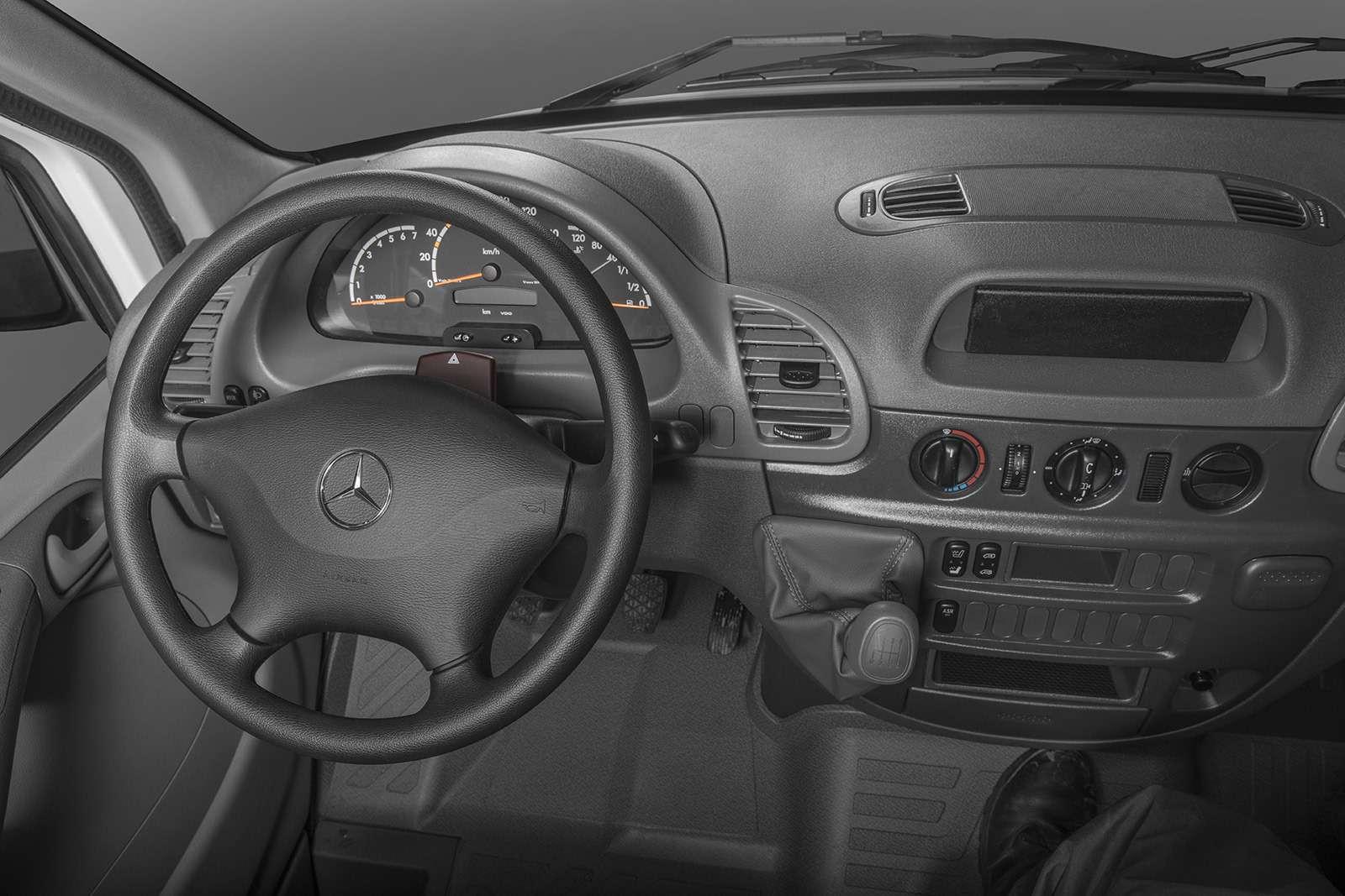 Mercedes-Benz Sprinter Classic лишился звезды накапоте. Заодно иподорожал— фото 859181