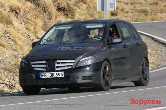 Mercedes-Benz B-klasse AMG side-front view