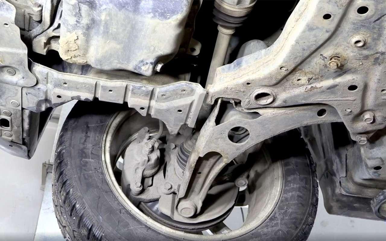 Mitsubishi ASX навторичке: надежные моторы искрипучий салон— фото 1229881