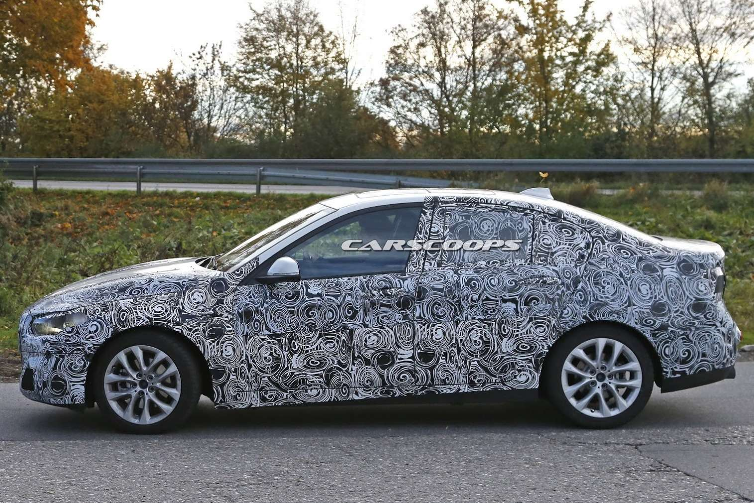 2017-BMW-1-Series-Saloon-9
