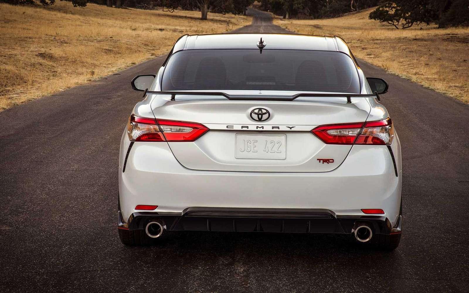 Toyota Camry получила спортивную версию— фото 924113