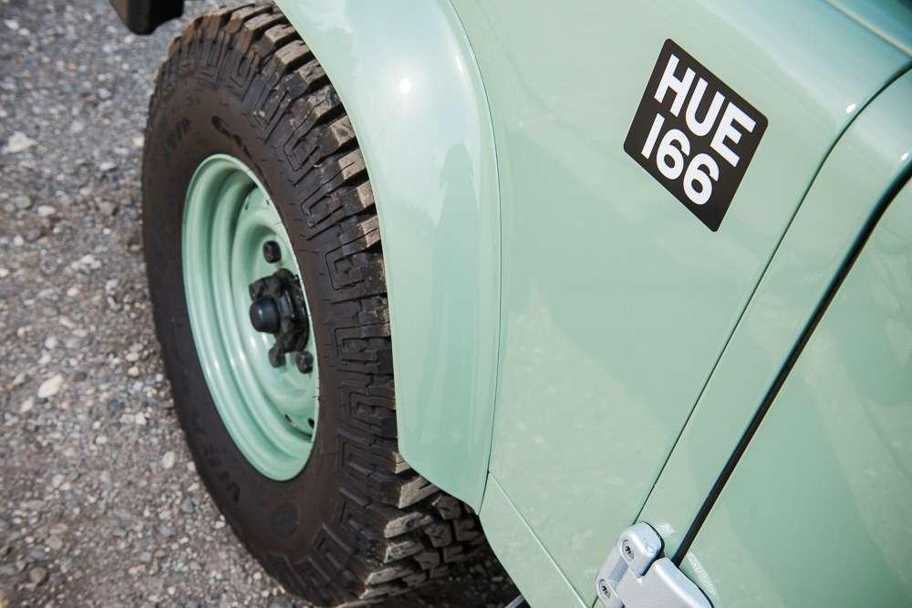 Мистер Бин выставил нааукцион свой Land Rover Defender— фото 768448