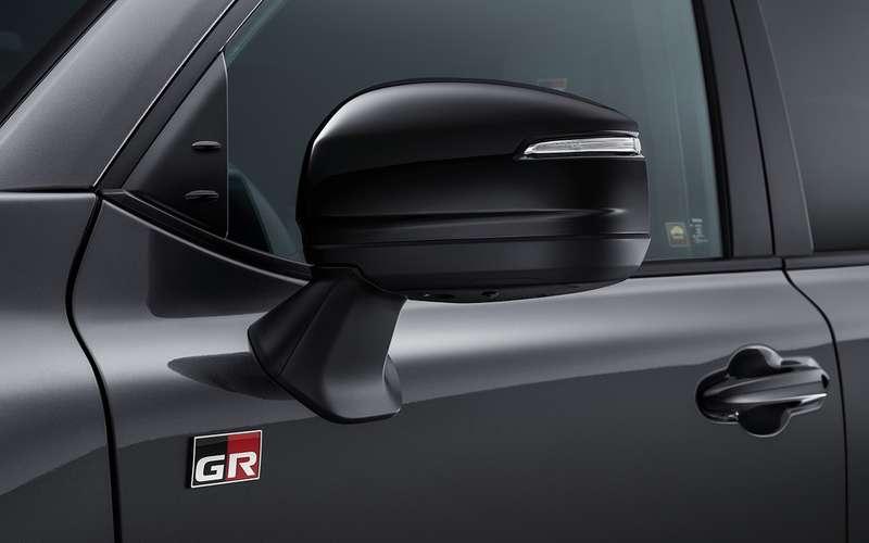 Начались продажи самого крутого Land Cruiser 300 - в версии GR Sport