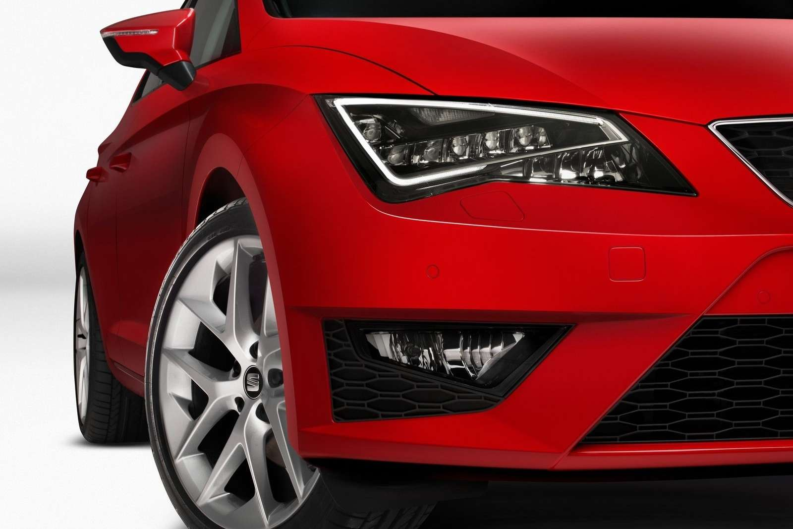 New SEAT Leon FR all-LED headlamp