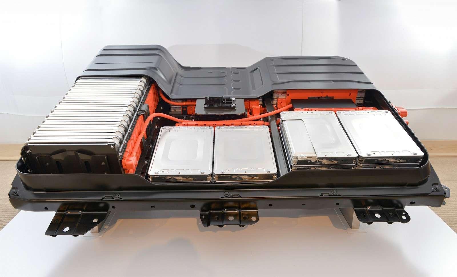 Будущее электромобилей Nissan: вольты сколес— фото 596336
