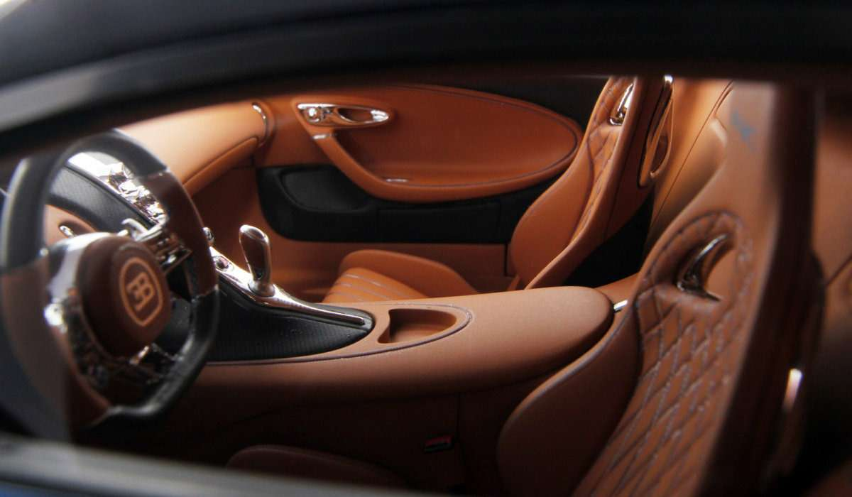 Масштабную копию Bugatti Chiron продают поцене полноценного автомобиля— фото 627842