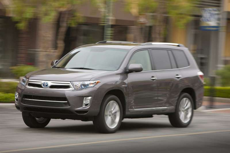 no copyright 2013 Toyota Highlander