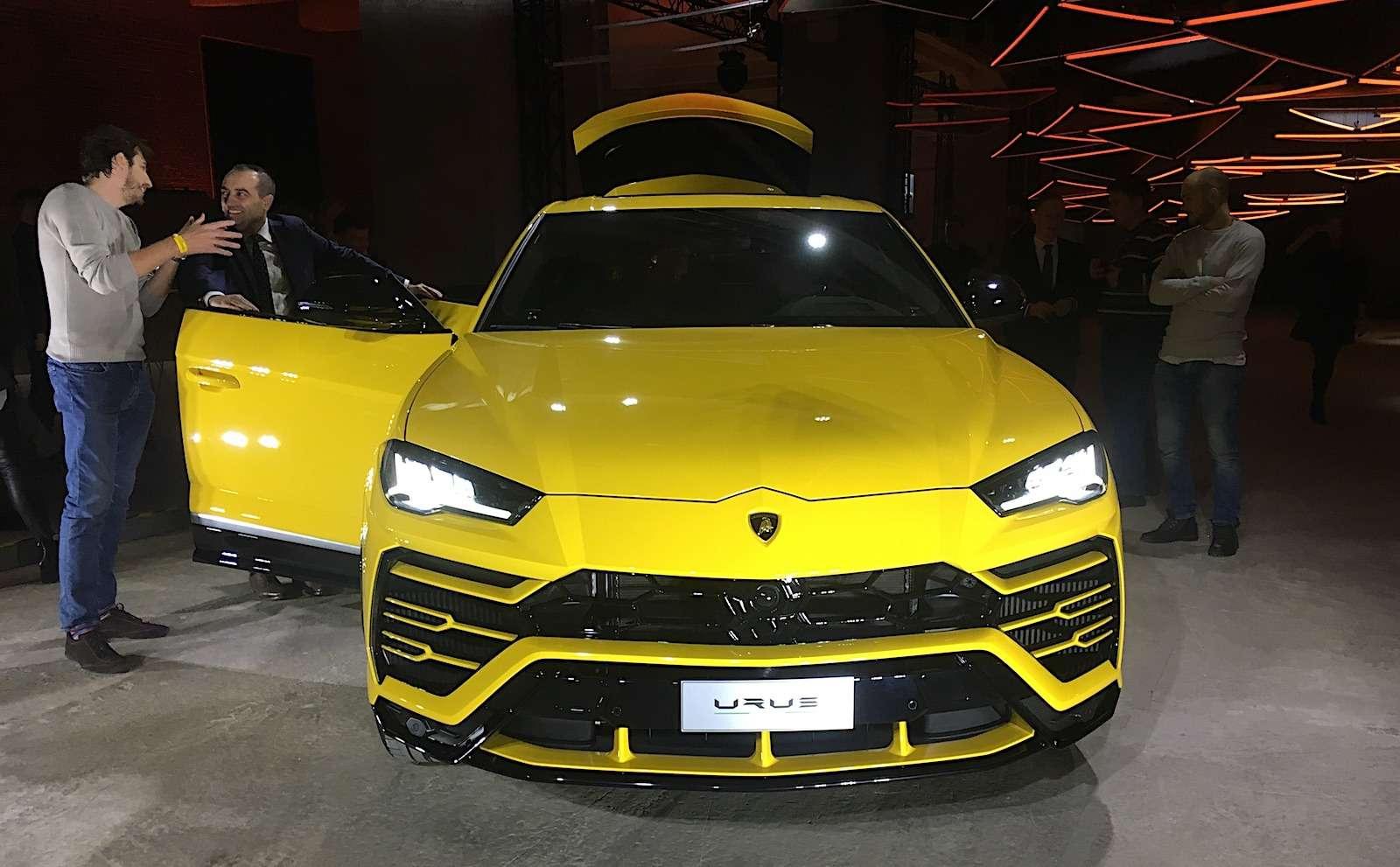 Lamborghini привезла вРоссию автомобиль, который небоится «лежачих полицейских»— фото 845495