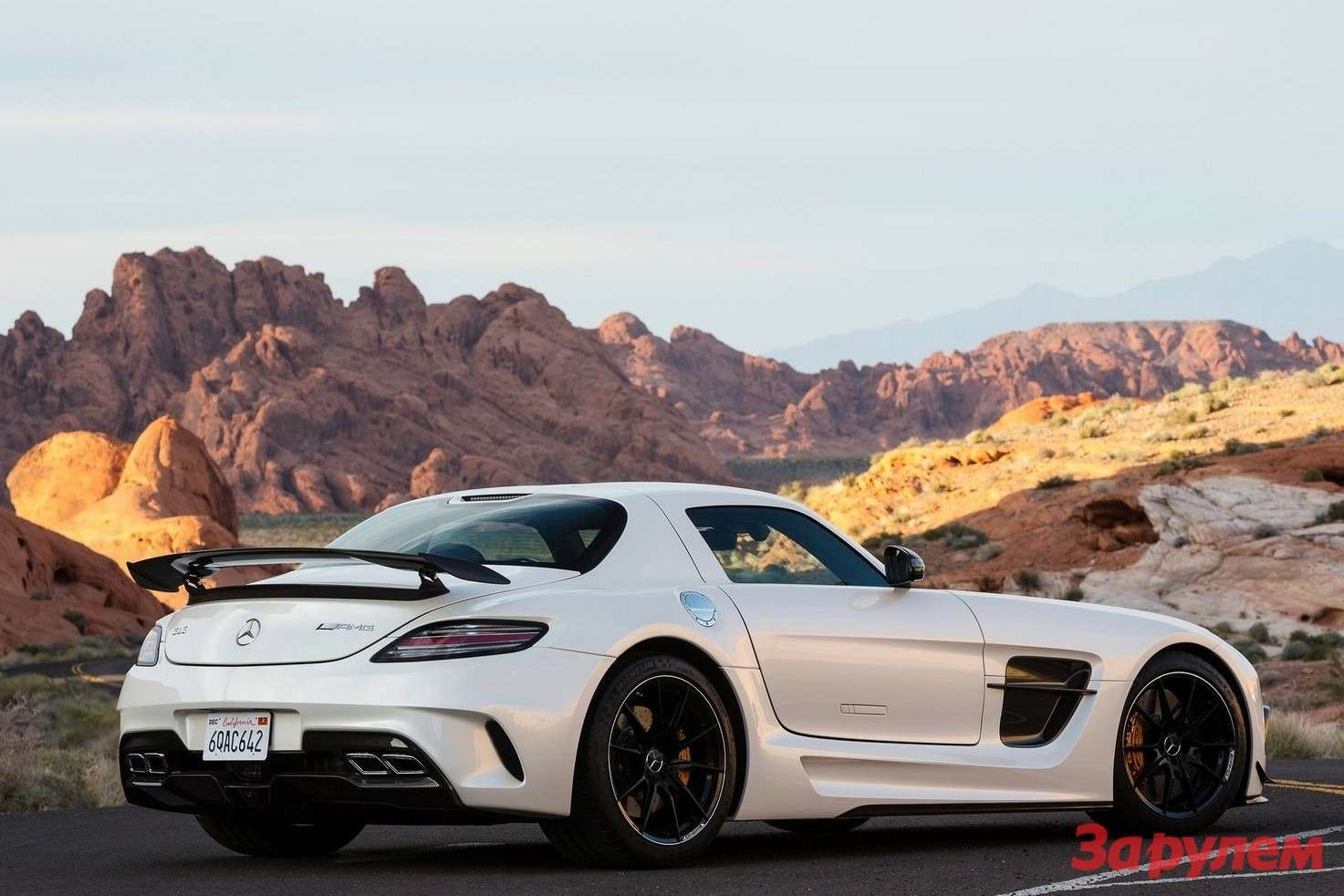 Mercedes-Benz SLS AMG Black Series side-rear view