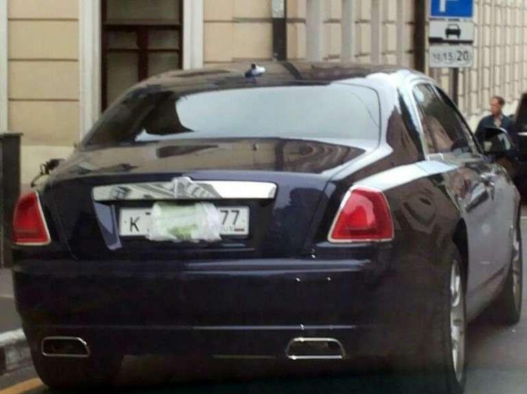 Москва настаивает наэвакуации автомобилей сзакрытыми номерами