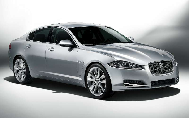 Jaguar опять отзывает машины вРоссии из-за проблем смоторами