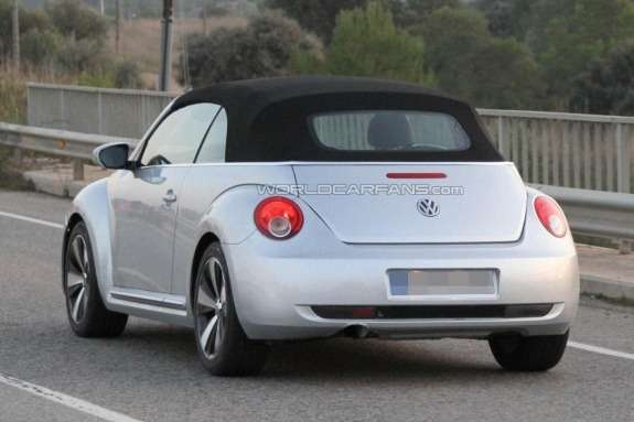 Volkswagen Beetle Convertible test prototype side-rear view
