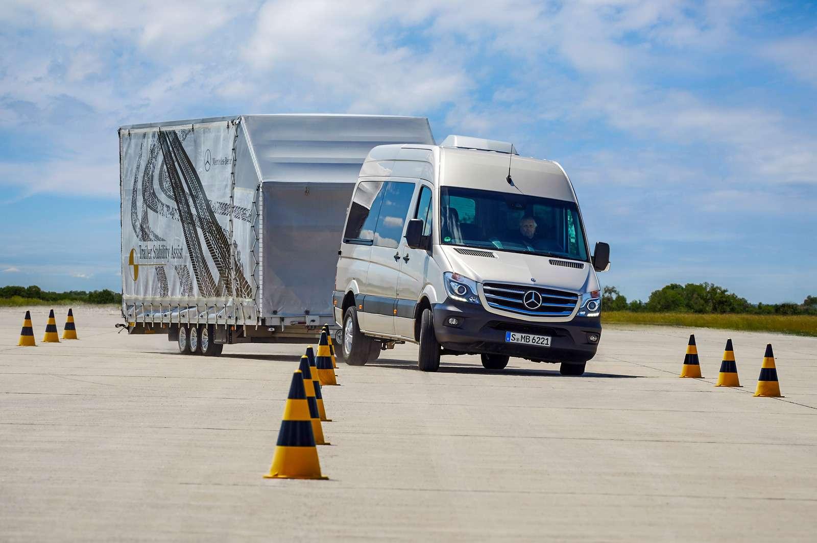 10-MB_Vans&Trucks__zr-09_15