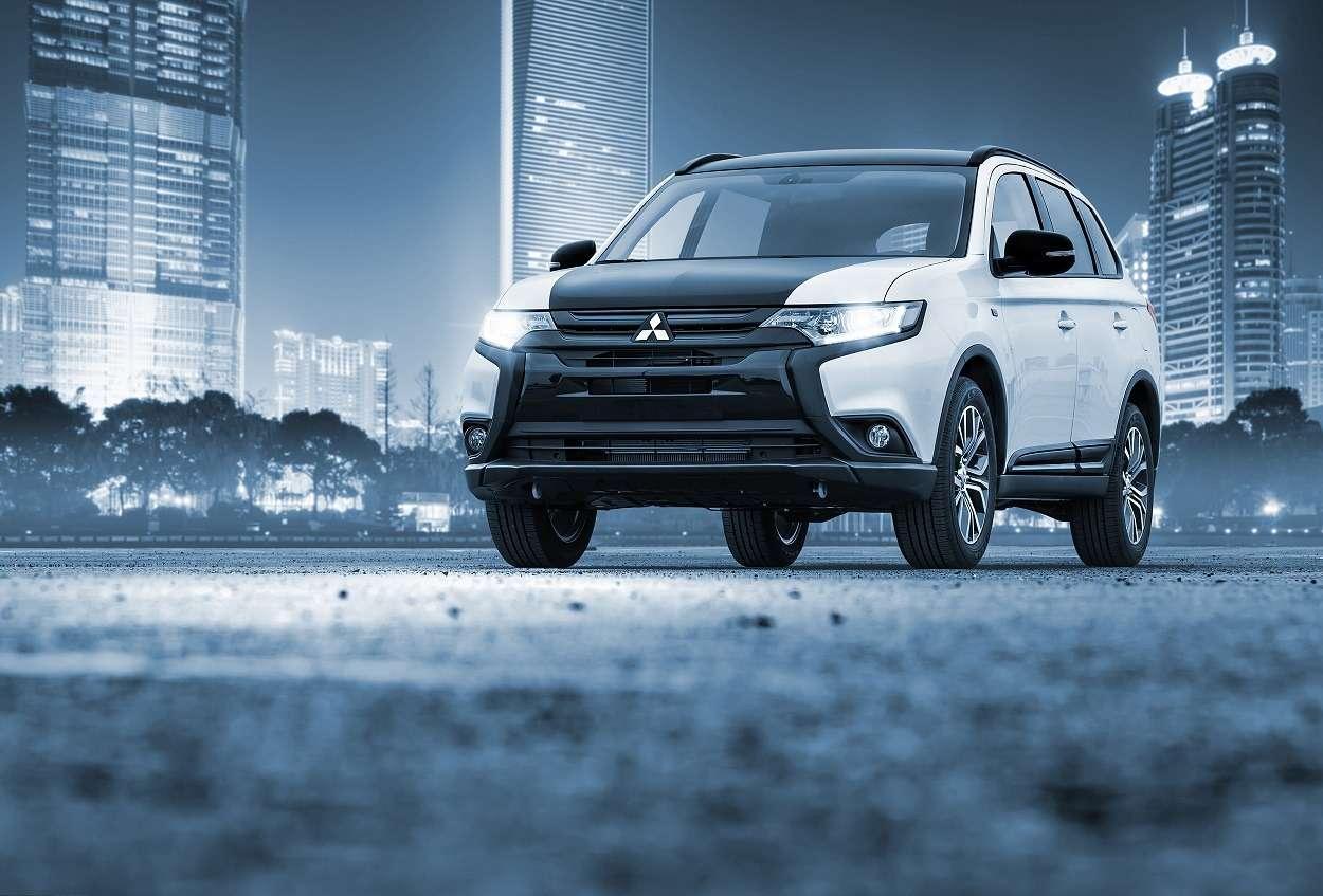В России появилась лимитированная версия Mitsubishi Outlander— фото 604841