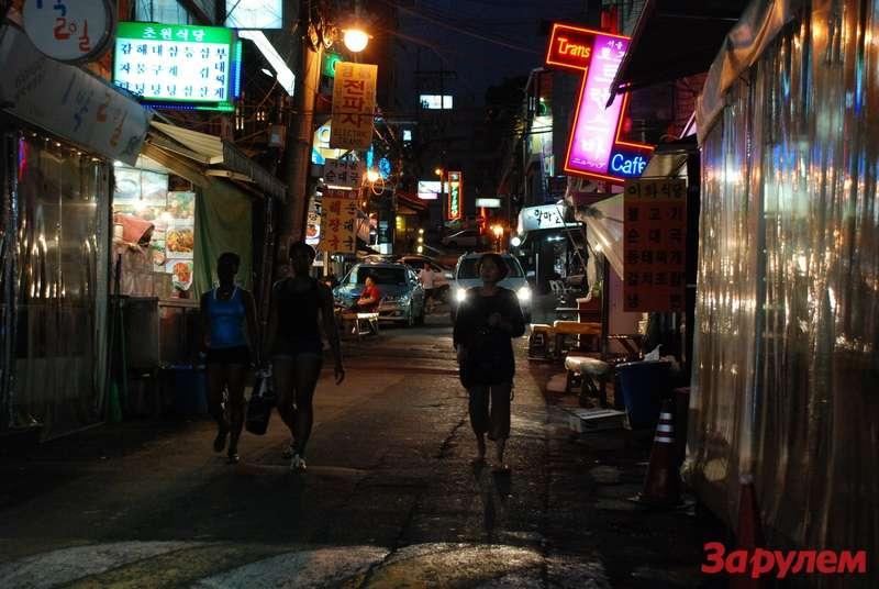 Ночной город только напервый взгляд пустытнен