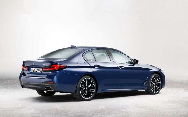 Появились фото обновленного BMW 5-Series
