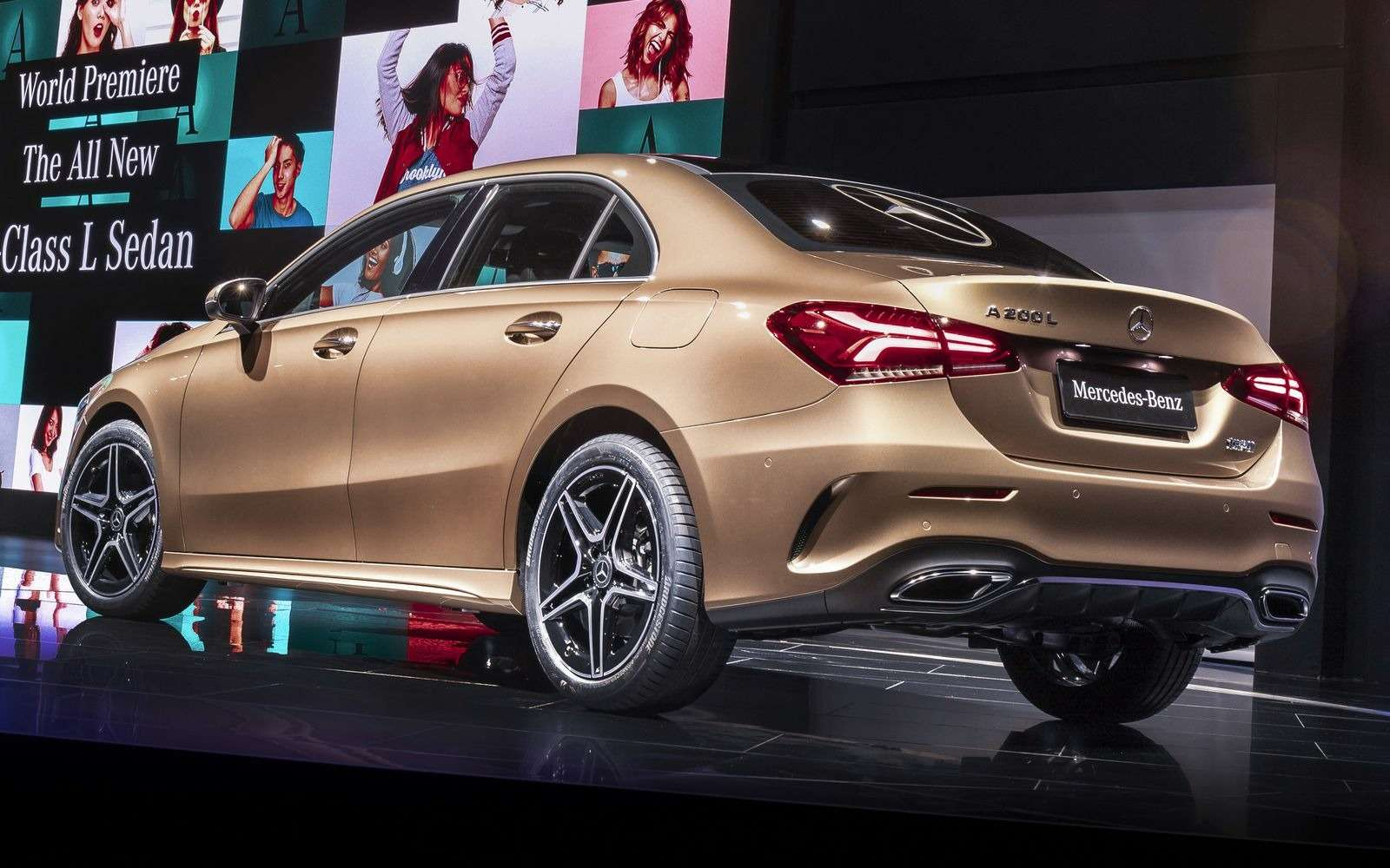 Mercedes-Benz A-класса растянули доразмеров Камри!— фото 865725