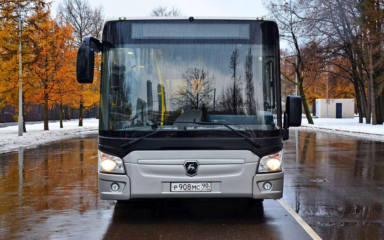 Низкопольные автобусы ЛиАЗ: легким шагом— фото 736759