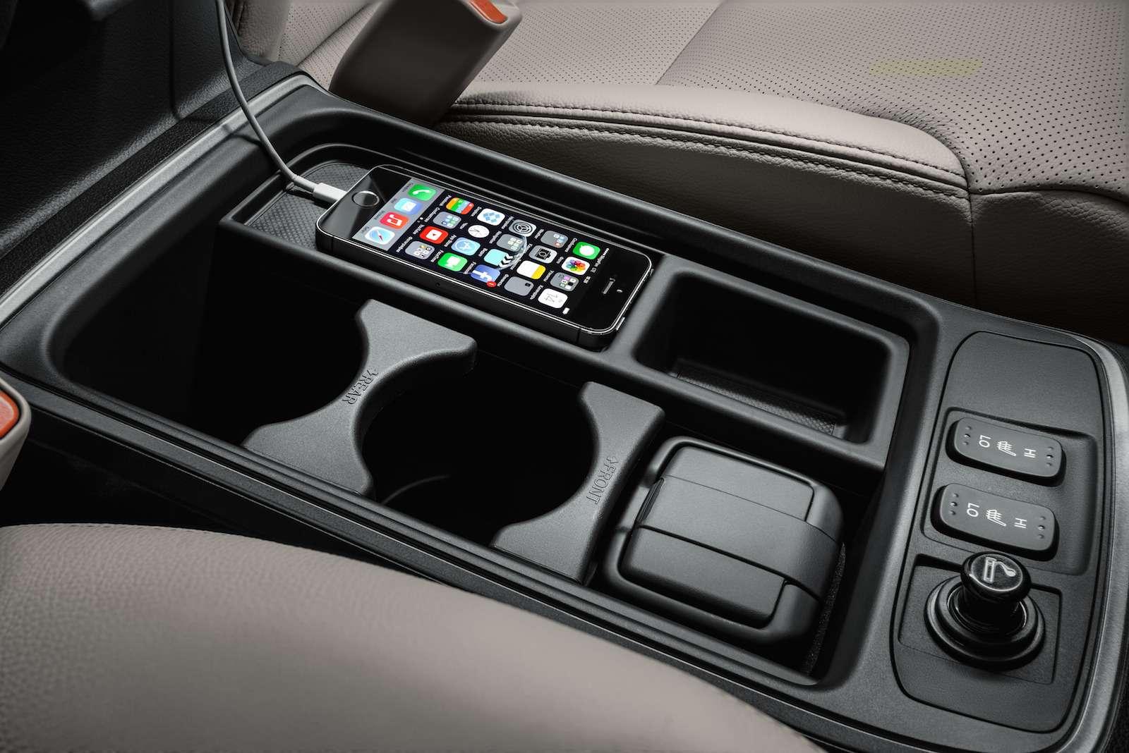 Honda_CR-V_interior_012