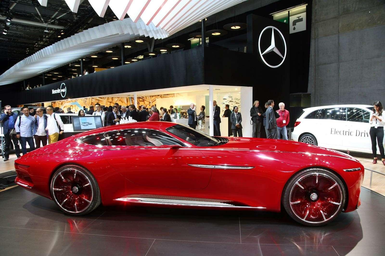 Самый красивый автомобиль Парижа: Vision Mercedes-Maybach 6завоевывает сердца— фото 643575