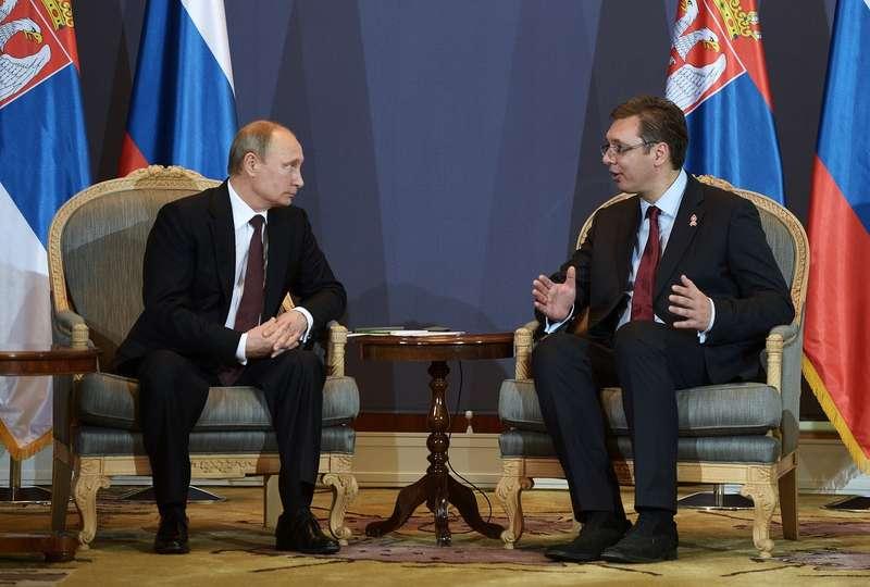 Путин пообещал подумать опоставках автомобилей Fiat изСербии