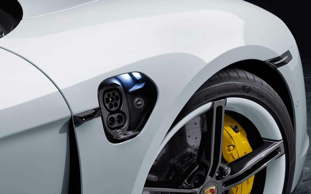 Porsche, как удар током— представлен новый Taycan— фото 994936