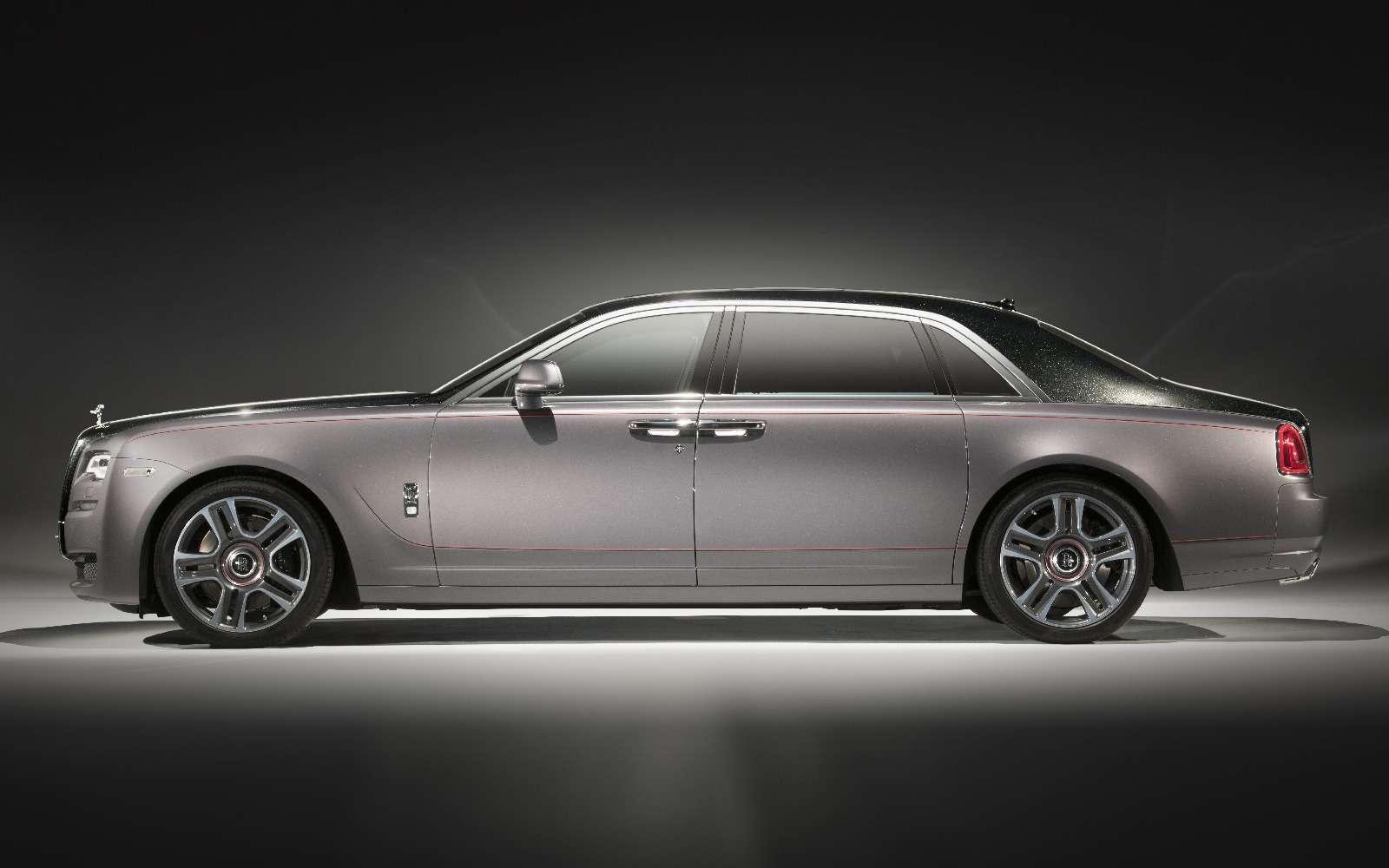 Бриллиантовый дым: Rolls-Royce начал подмешивать вкраску драгоценные камни— фото 717037