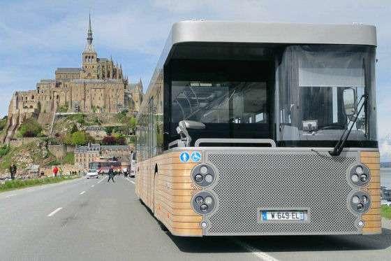 Doppelkopf-Bus-von-Cobus-560x373-223fa6a5f48151a3