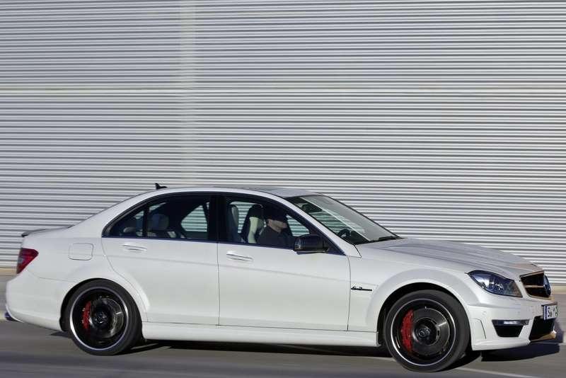 Mercedes-Benz-C63_AMG_2012_1600x1200_wallpaper_1a