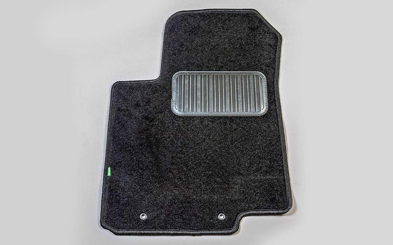 Выбираем коврики дляавтомобиля— тест 10комплектов— фото 827624