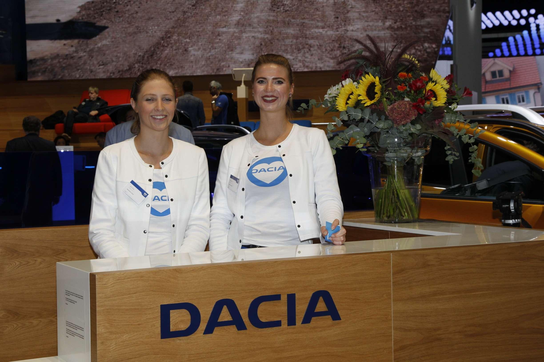 Лучшие девушки Франкфуртского автосалона!— фото 794299