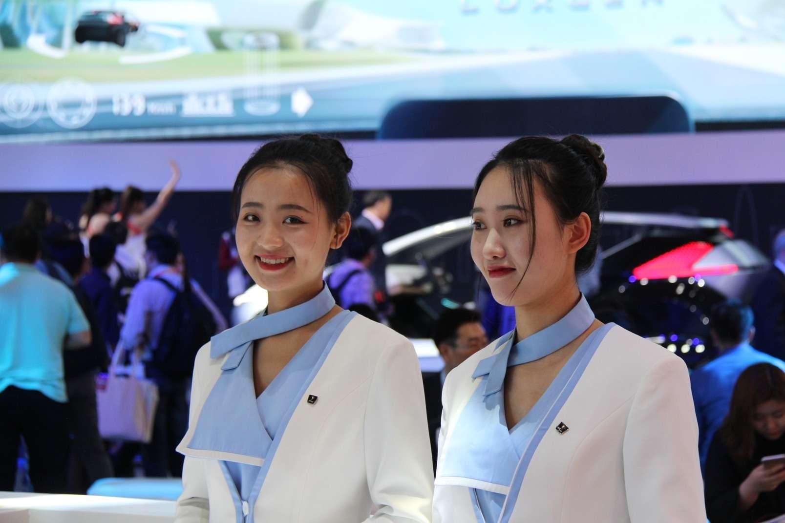 Девушки Пекинского автосалона— 2018— фото 865611