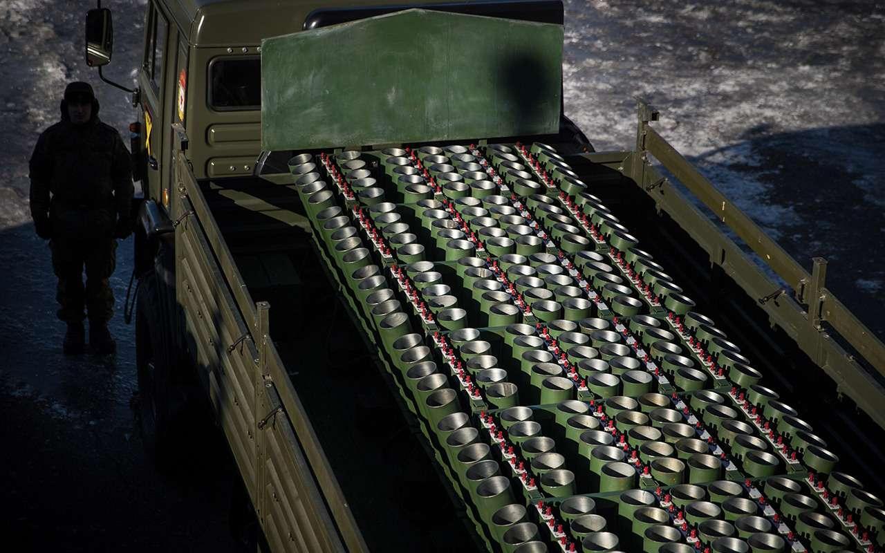 Салюты: какие автомобили имеханизмы отвечают запраздничное настроение— фото 878881