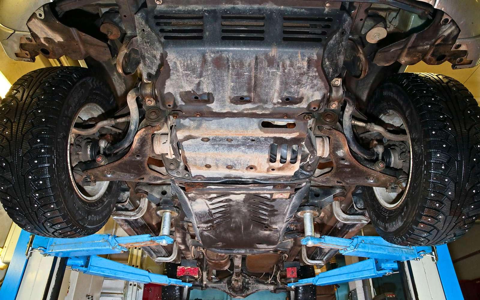 Пикапы Isuzu D-Max, Mitsubishi L200и Toyota Hilux: на«обортаж»!— фото 698462